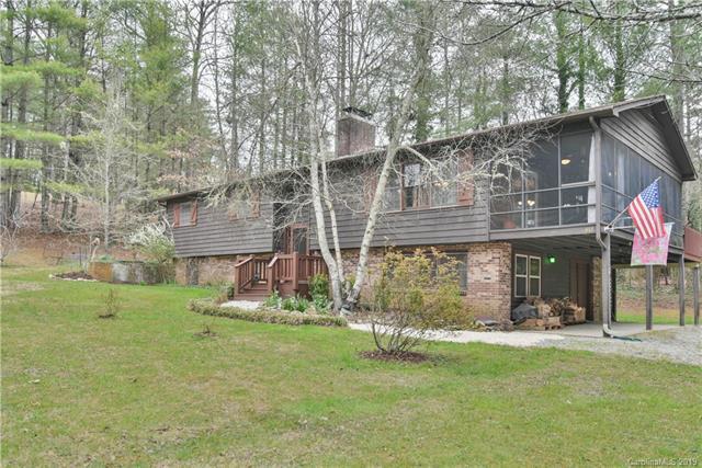 817 Anne Avenue W #20, Hendersonville, NC 28739 (#3485229) :: Johnson Property Group - Keller Williams