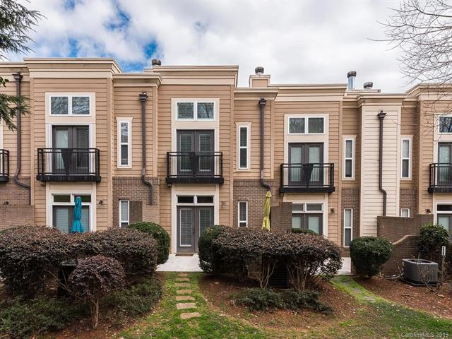 239 N Dotger Avenue F4, Charlotte, NC 28207 (#3485347) :: Exit Mountain Realty