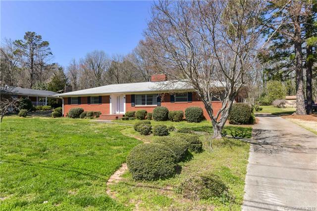7528 Linda Lake Drive, Charlotte, NC 28215 (#3485393) :: MECA Realty, LLC