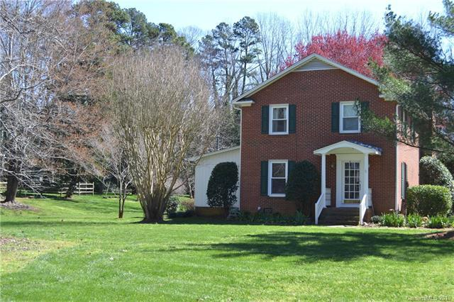 4910 Golfview Court, Mint Hill, NC 28227 (#3485411) :: SearchCharlotte.com