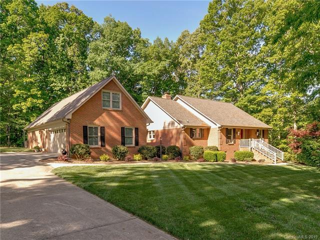 4816 Pioneer Lane, Indian Trail, NC 28079 (#3485625) :: Charlotte Home Experts