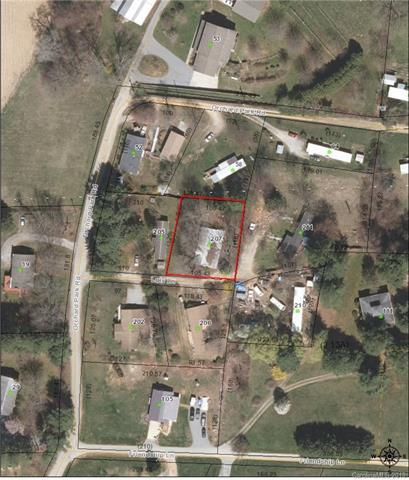 207 Lois Lane, Flat Rock, NC 28731 (#3485946) :: The Ann Rudd Group