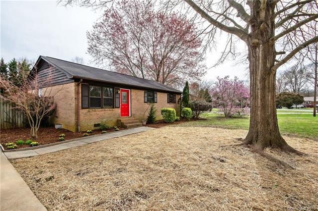 301 Grover Moore Place, Indian Trail, NC 28079 (#3486013) :: The Ann Rudd Group