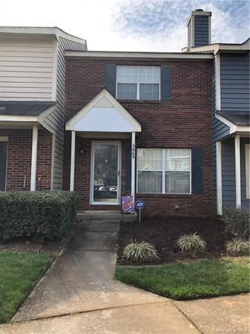 3669 Huyton Court, Charlotte, NC 28215 (#3486279) :: Charlotte Home Experts