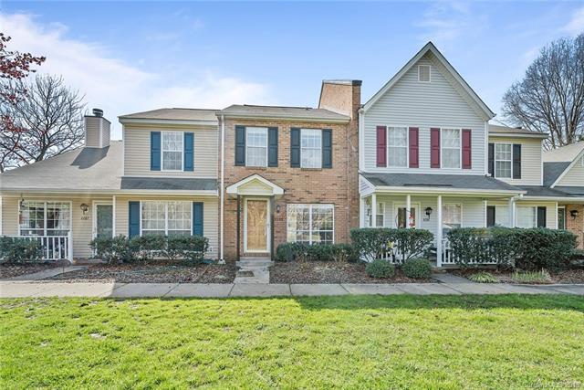 8289 Golf Ridge Drive, Charlotte, NC 28277 (#3486339) :: Charlotte Home Experts