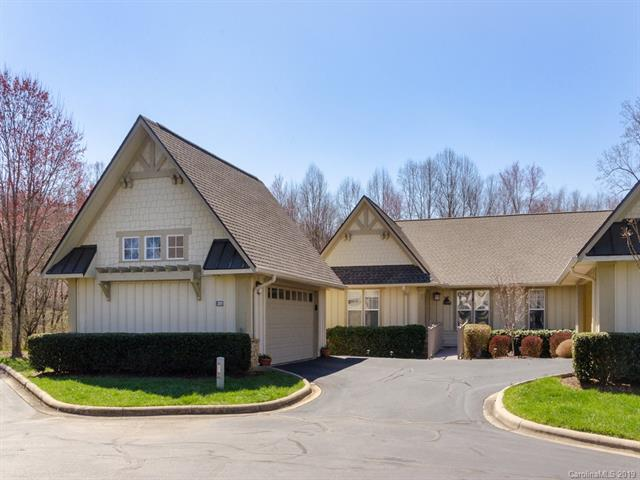 3001 Blue Goose Court, Hendersonville, NC 28792 (#3486441) :: The Ramsey Group