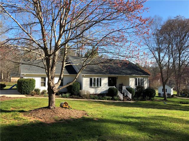 2099 Cardinal Loop, Stanley, NC 28164 (#3486584) :: Cloninger Properties