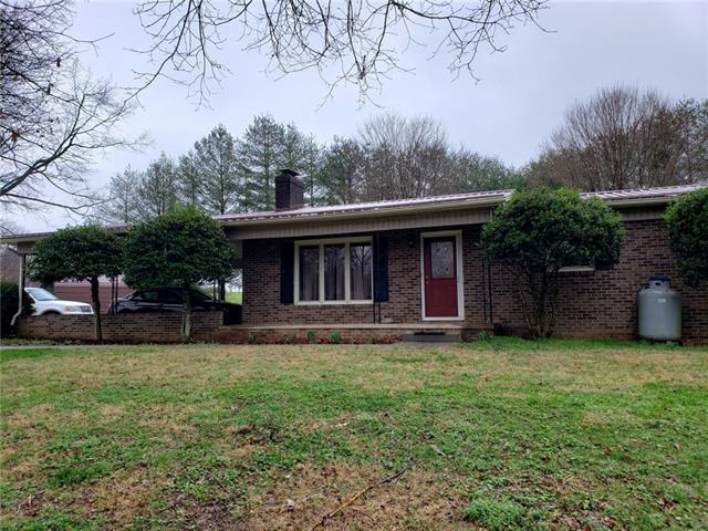 4800 Johnson Bridge Road, Hickory, NC 28602 (#3486729) :: Homes Charlotte