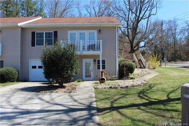 3311 Sandy Drive #3, Hendersonville, NC 28792 (#3486797) :: Johnson Property Group - Keller Williams