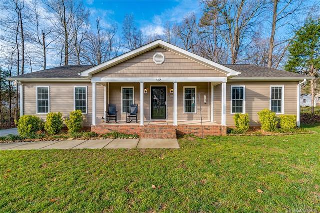 5405 Tempest Place, Charlotte, NC 28216 (#3486937) :: Cloninger Properties