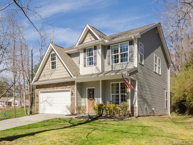 22 Streamside Drive, Hendersonville, NC 28791 (#3486941) :: Johnson Property Group - Keller Williams