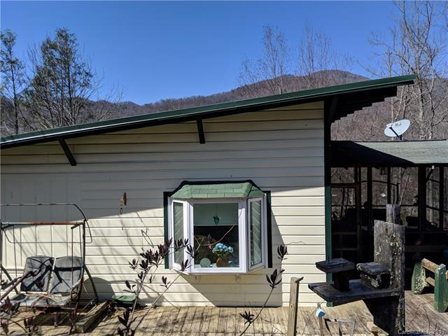 157 Hemlock Loop, Maggie Valley, NC 28751 (#3487129) :: David Hoffman Group