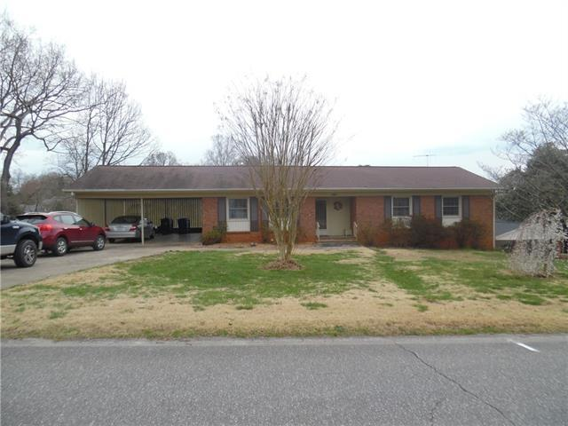145 NW 20th Avenue NW, Hickory, NC 28601 (#3487169) :: Exit Mountain Realty