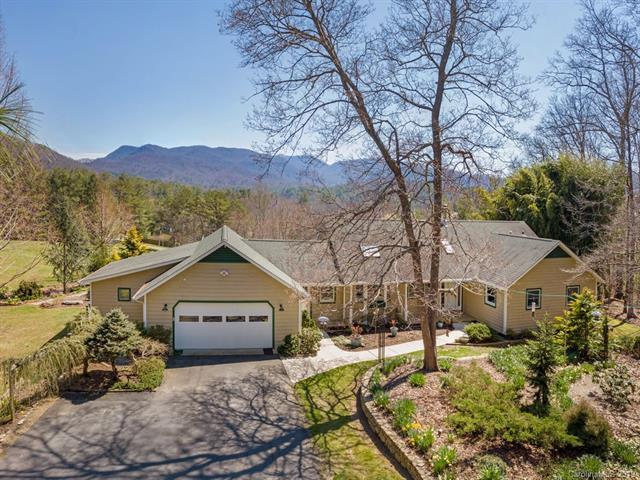 10 Sharon Drive, Fairview, NC 28730 (#3487321) :: Johnson Property Group - Keller Williams