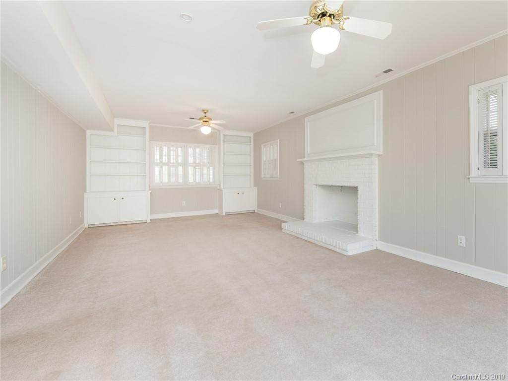 6400 Windyrush Road, Charlotte, NC 28226 (#3487432) :: IDEAL Realty