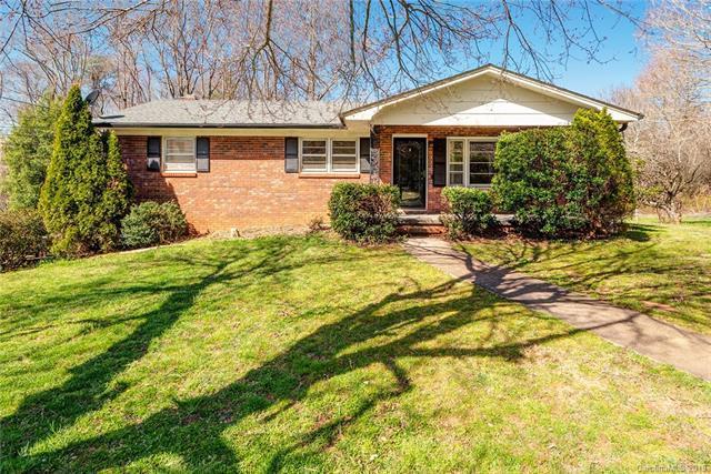 27 Sunset Drive, Swannanoa, NC 28778 (#3487622) :: Puffer Properties
