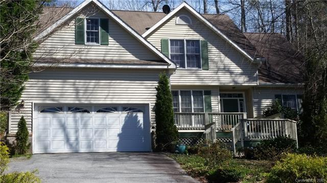 4501 Cove Loop Road, Hendersonville, NC 28739 (#3487682) :: SearchCharlotte.com