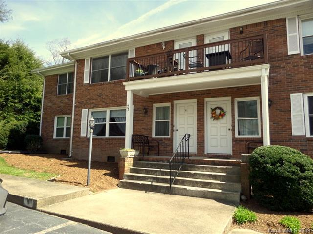 27 Capri Lane #15, Hendersonville, NC 28791 (#3487782) :: Odell Realty