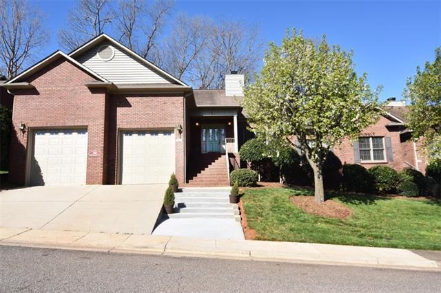 319 10th Avenue NE, Conover, NC 28613 (#3488121) :: LePage Johnson Realty Group, LLC