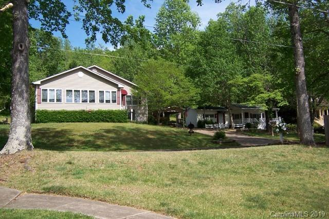 1239 E Lakeshore Drive, Landrum, SC 29356 (#3488133) :: Odell Realty