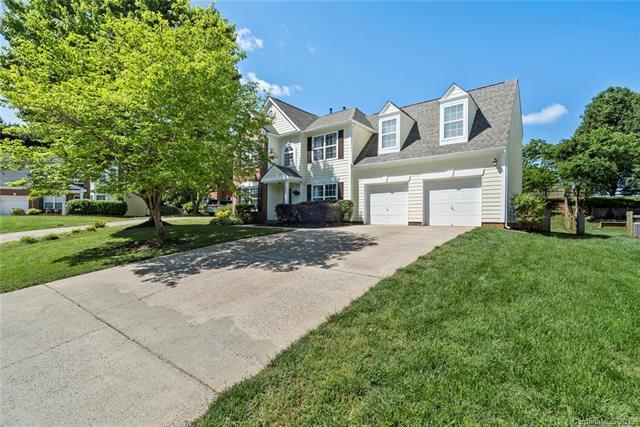 8813 Glenover Circle, Charlotte, NC 28269 (#3488313) :: Caulder Realty and Land Co.