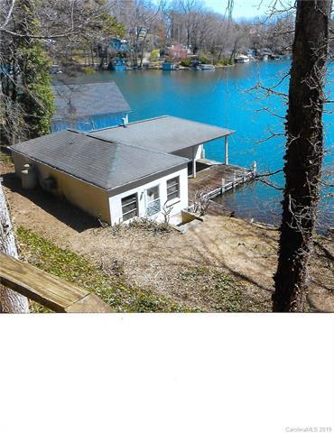 2488 W Lakeshore Drive W, Landrum, SC 29356 (#3488368) :: Odell Realty