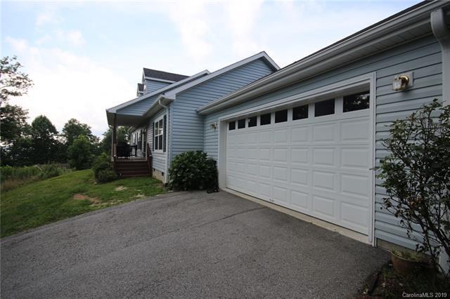 367 Overton Hills Road, Hendersonville, NC 28739 (#3488373) :: Caulder Realty and Land Co.