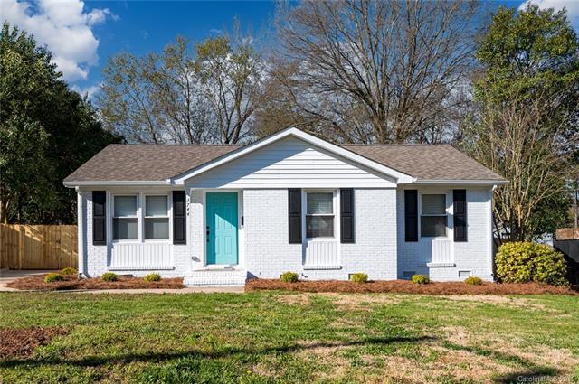3744 Seaman Drive, Charlotte, NC 28217 (#3488432) :: Exit Mountain Realty