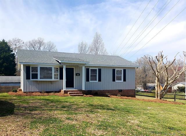 409 Sumter Street, Clover, SC 29710 (#3488459) :: www.debrasellscarolinas.com