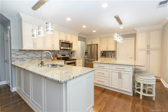 11607 Hidden Grove Trail, Charlotte, NC 28215 (#3488491) :: LePage Johnson Realty Group, LLC