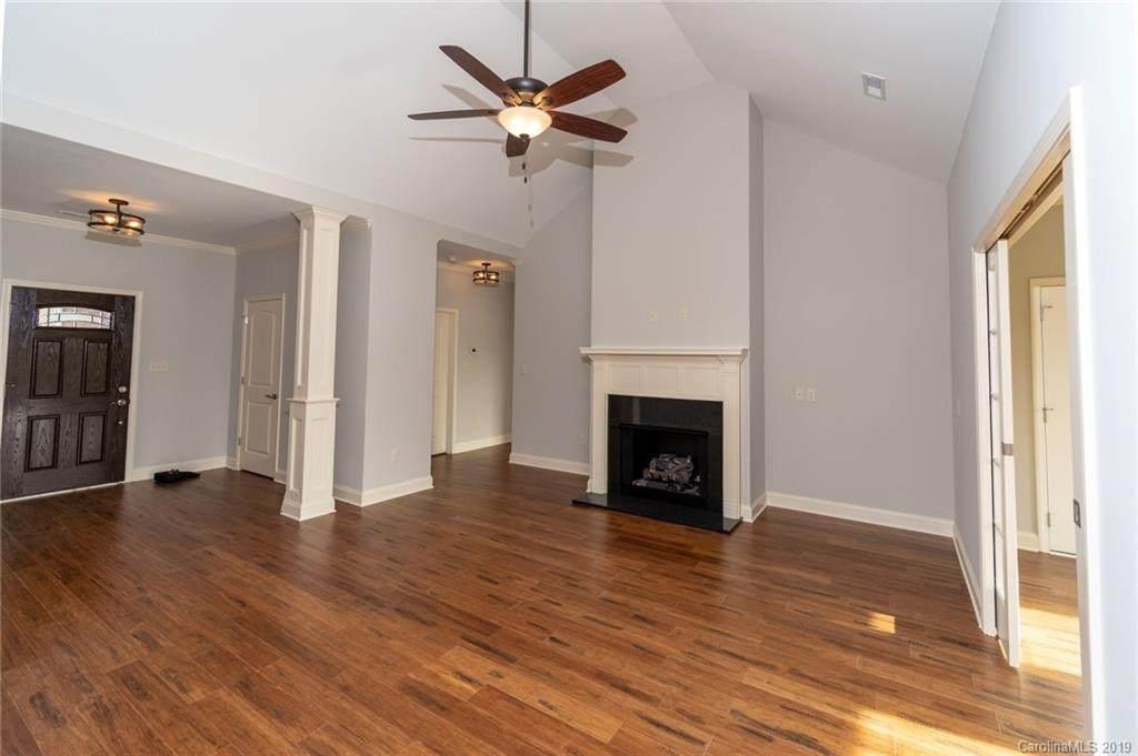 1000 Villas Drive #1000, Stanley, NC 28164 (#3488808) :: Cloninger Properties