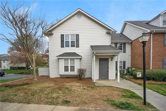 9401 Vicksburg Park Court, Charlotte, NC 28210 (#3488941) :: Washburn Real Estate