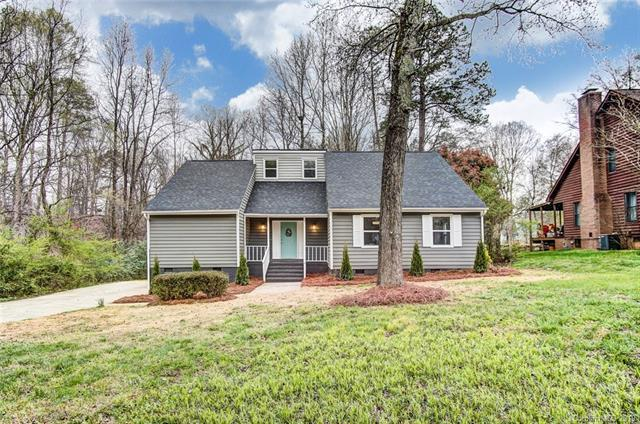 6301 Deep Forest Lane, Charlotte, NC 28214 (#3489169) :: Rinehart Realty