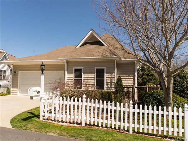 171 Ashefield Court, Hendersonville, NC 28791 (#3489598) :: Washburn Real Estate