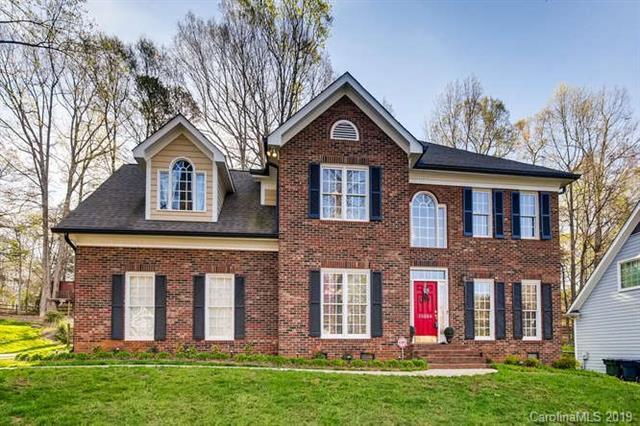 15324 Rush Lake Lane, Huntersville, NC 28078 (#3490140) :: MartinGroup Properties
