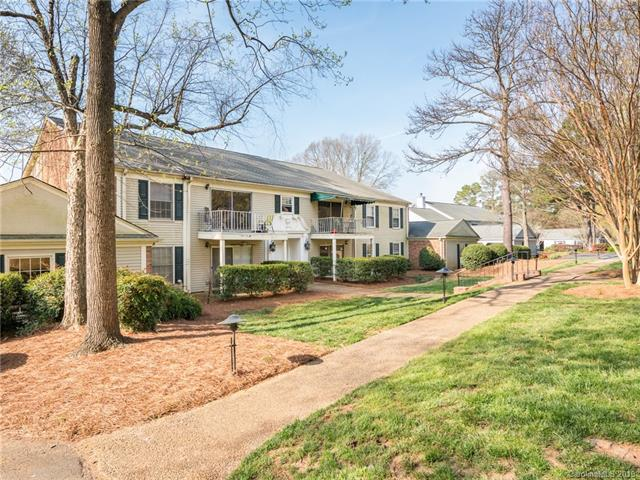 7037 Quail Hill Road, Charlotte, NC 28210 (#3490200) :: Roby Realty