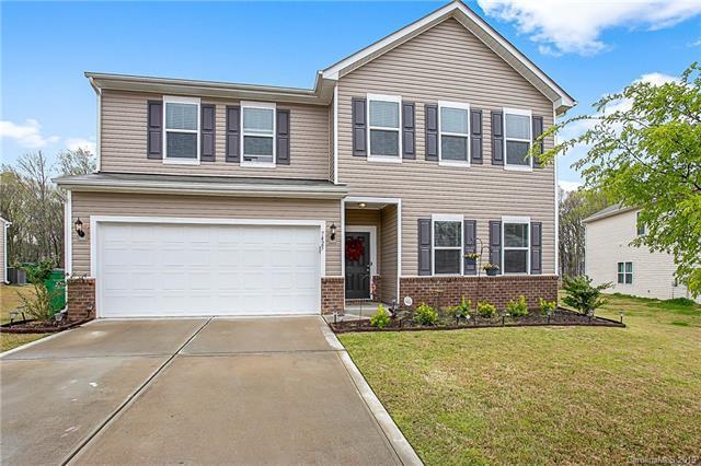 7425 Cedarfield Road, Charlotte, NC 28227 (#3490727) :: MECA Realty, LLC
