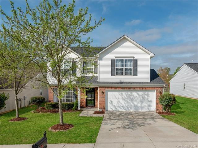 8502 Appledale Drive, Charlotte, NC 28262 (#3490938) :: Washburn Real Estate