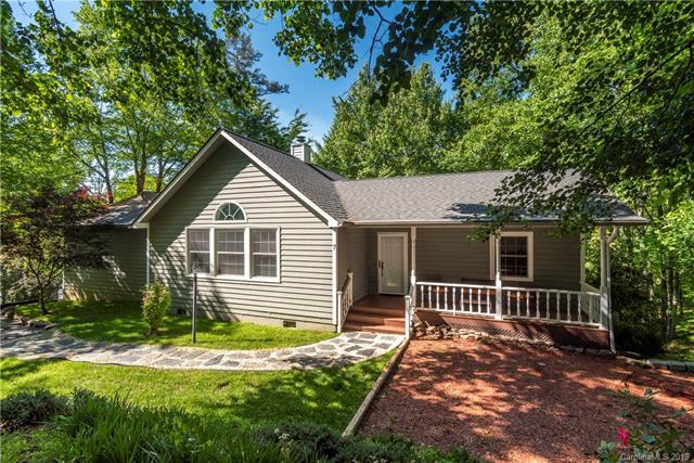 7 Knoll Ridge Lane, Waynesville, NC 28785 (#3491309) :: The Ramsey Group