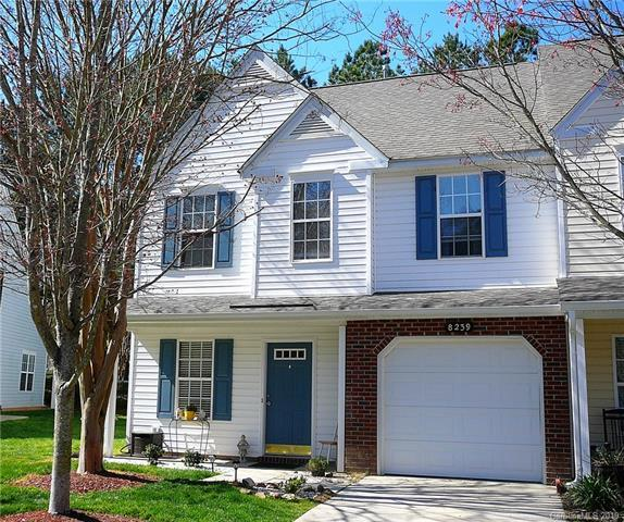 8239 Christmas Court, Charlotte, NC 28216 (#3491349) :: Team Honeycutt