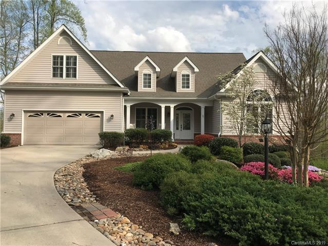 284 Bay Laurel Lane, Hendersonville, NC 28791 (#3492247) :: Odell Realty