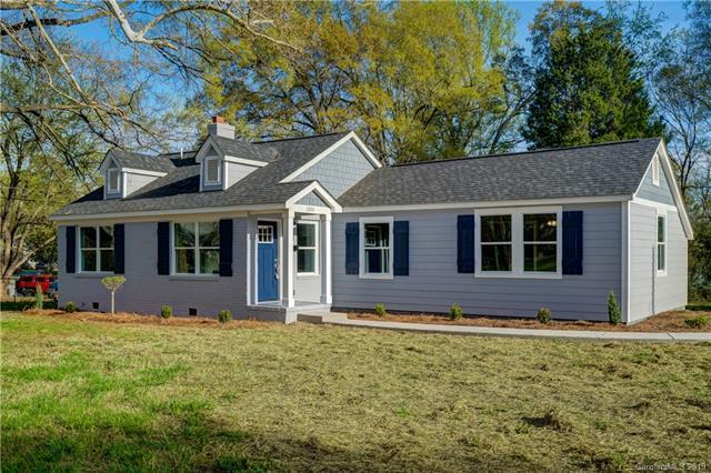 2801 Cowles Road, Charlotte, NC 28208 (#3492660) :: Exit Mountain Realty