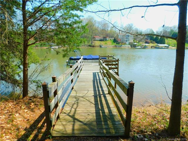 6901 Navajo Trail, Sherrills Ford, NC 28673 (#3492695) :: Odell Realty
