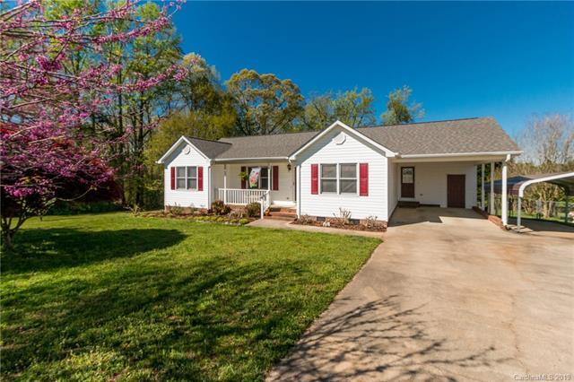 206 Pilots Ridge Drive, Bessemer City, NC 28016 (#3492784) :: Exit Mountain Realty