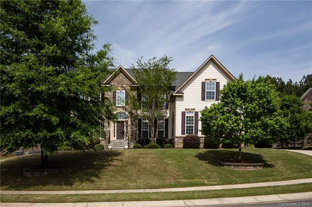 10707 Anglesey Court, Charlotte, NC 28278 (#3492803) :: Scarlett Real Estate