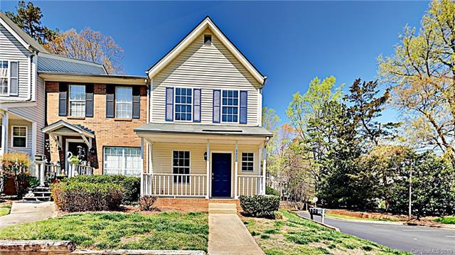 6400 Windsor Gate Lane, Charlotte, NC 28215 (#3493217) :: Odell Realty