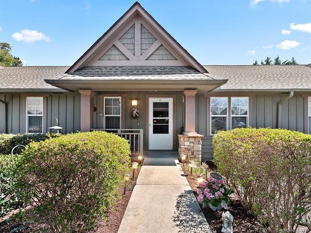 402 Fox Den Court, Hendersonville, NC 28792 (#3493833) :: High Performance Real Estate Advisors