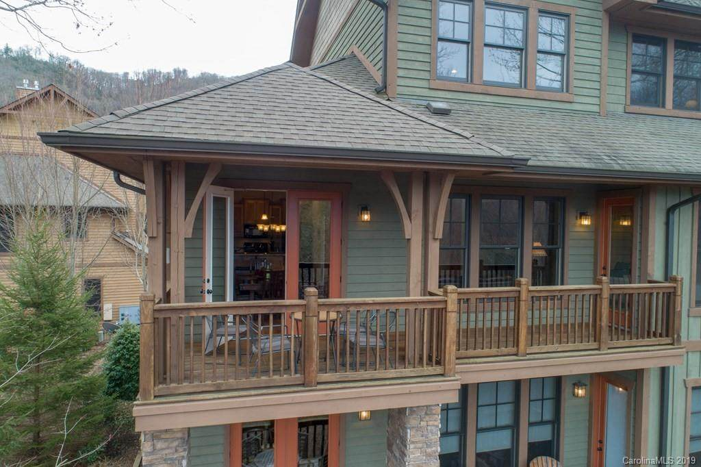 110 Saddle Notch Lane Bldg D2, Unit B, Tuckasegee, NC 28783 (#3493946) :: High Performance Real Estate Advisors