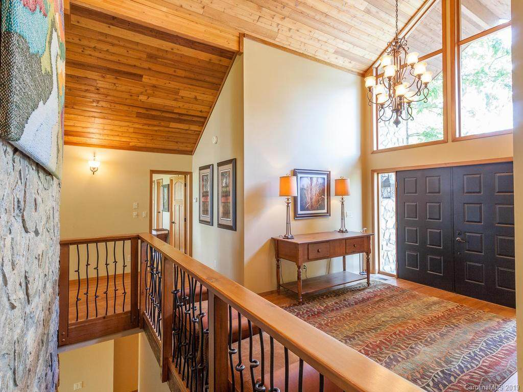 40 Short Snort Court, Burnsville, NC 28714 (#3494031) :: LePage Johnson Realty Group, LLC