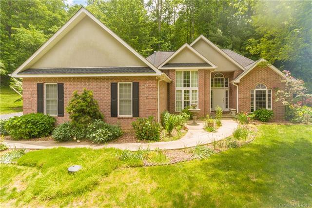 700 Zelda Court, Hendersonville, NC 28792 (#3494186) :: Miller Realty Group